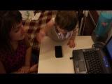 Альбинка научилась разблокировать телефон)))